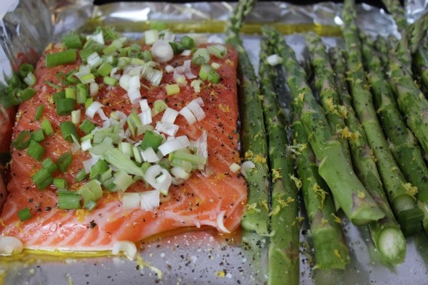 Salmon and asparagus ready for roasting