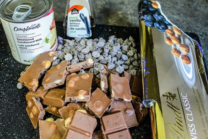 3 minute Creamy Chocolate Fudge ingredients