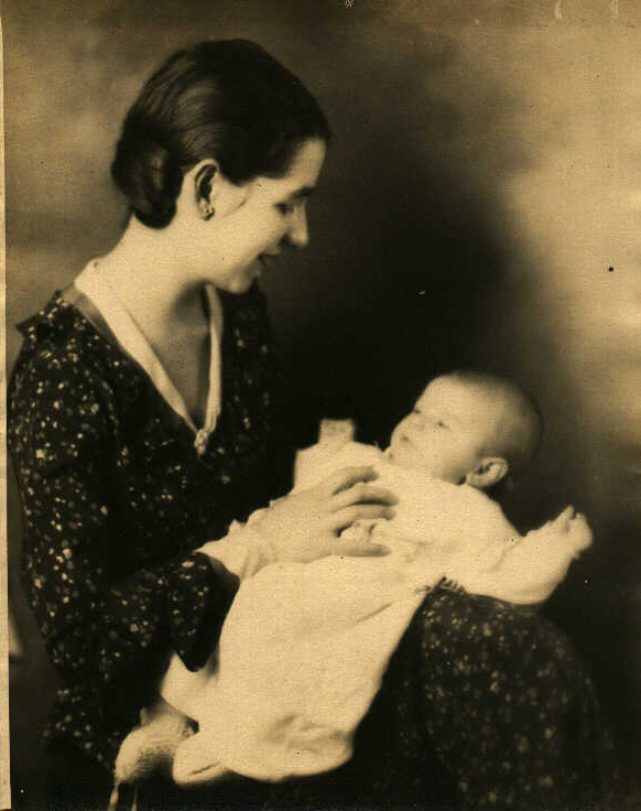 Sarah Lee Ryker as a young mother in the late 1920s