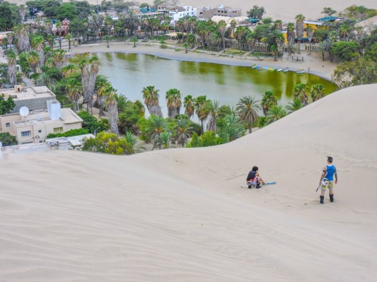https://i1.wp.com/www.twoscotsabroad.com/wp-content/uploads/2015/04/Huacachina-Sandboading-Peru.jpg?w=736&ssl=1