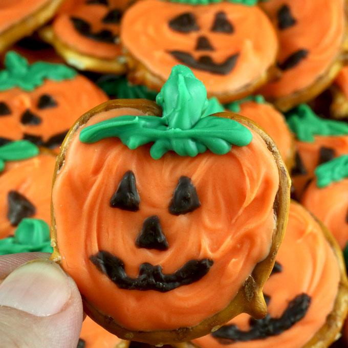Pumpkin Pretzel Bites Two Sisters Crafting