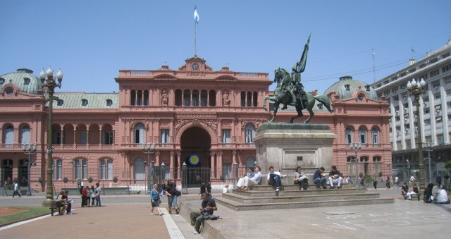 Casa Rosada, really lives up to its name which translates to Pink House.