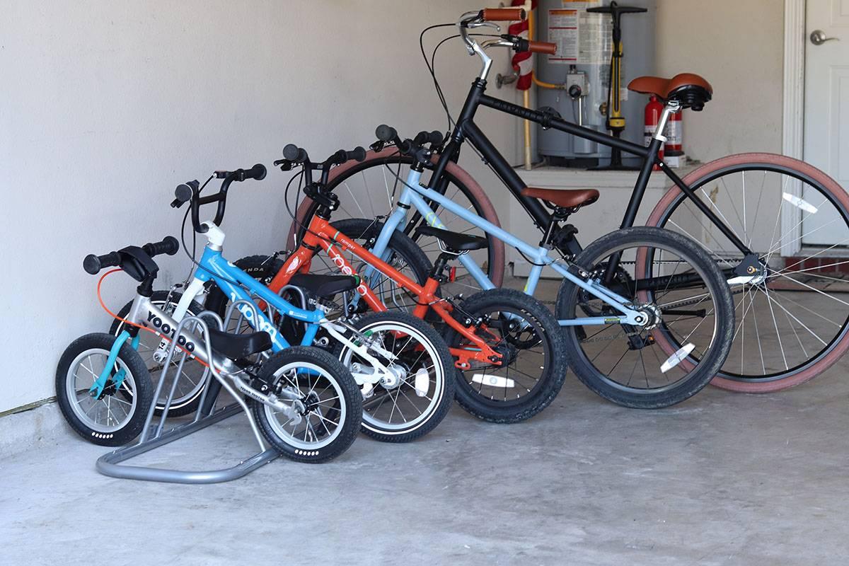 simple housewares 5 bike floor parking