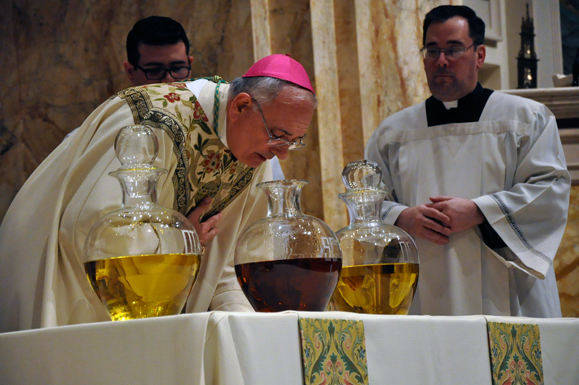Pope Francis blessing Oil