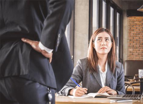 Warning Signs Of A Manipulative Boss