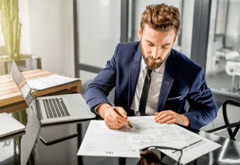 How Entrepreneurs Should Manage Risks in their Start-Ups