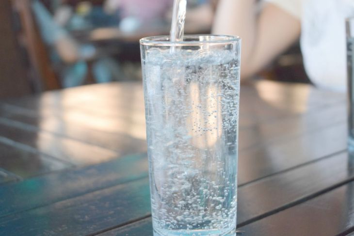 glass of water | What is Acidic Water? | acidic water
