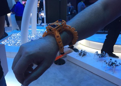 CES 2015 | Nixie Wrist-worn Camera Drone