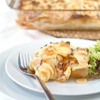 Holly-cooks-sweet-potato-and-parsnip-gratin-detail-with-fork-550