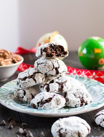 Chocolate ginger and pecan crackle cookies