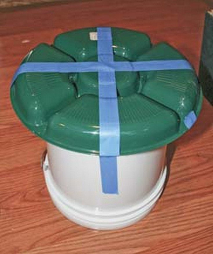 Gallon Bucket and Relish Tray