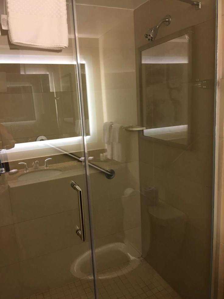 Embassy Suites Beachwood Ohio shower