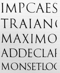 Kuva 16: Roomalaista Trajanuspylvään kapiteelikirjainta