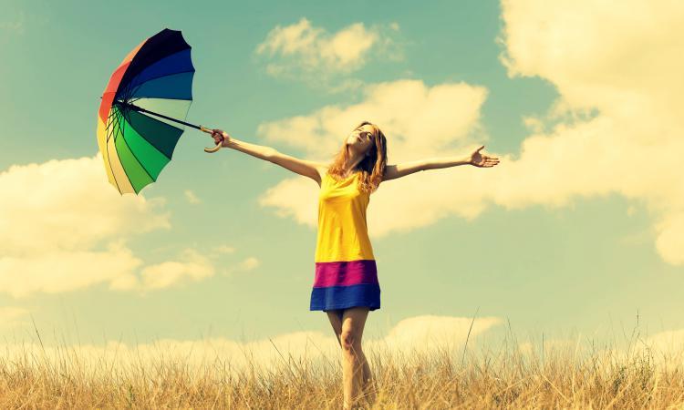 Самые счастливые периоды жизни человека определили ученые