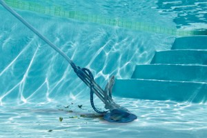 1500547740swimmingpoolcleaningcompany1561533479
