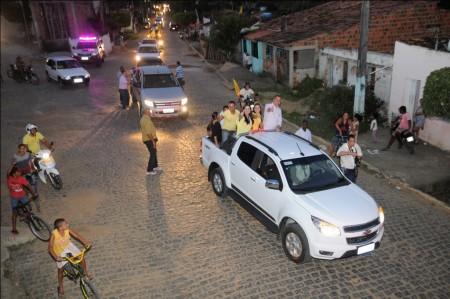 Governador participou de carreata (Foto: Valdir Santos/UN)
