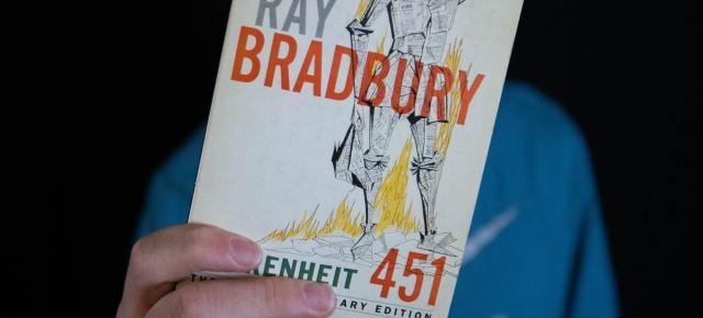 Analyzing the Fahrenheit 451 Films by Truffaut and Bahrani