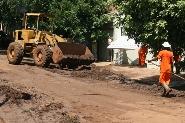Prefeitura inicia limpeza no bairro Mercês