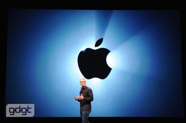 tim cook en la keynote del iphone 5