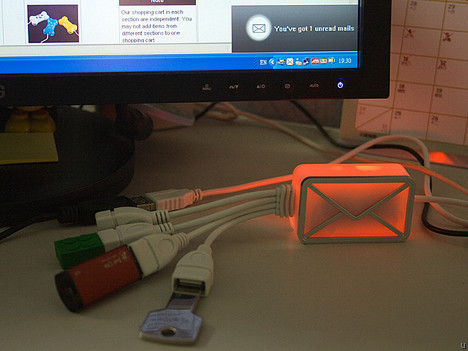 USB Webmail Notifier and 4-Port Hub Cable