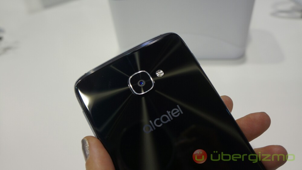 Alcatel IDOL 4S and IDOL 4 Review: Hands-on | Ubergizmo