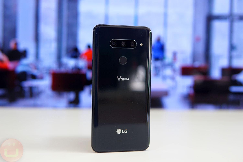 LG V40 ThinQ Review | Ubergizmo