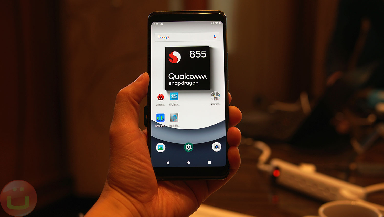 Qualcomm Snapdragon 855 Benchmarks: Pedal To The Metal | Ubergizmo
