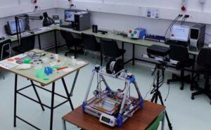 Vista del laboratorio de impresión 3D en la Escuela Politécnica Superior de la Universidad de Burgos