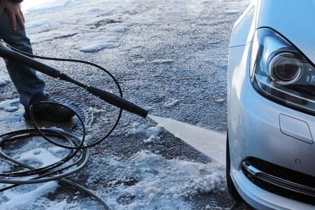 Mycie samochodu w zimie
