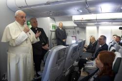 Papa francesco aereo