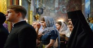 Douazeci și una de povete cum mergi și stai în Sfânta Biserică