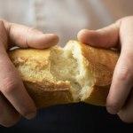 تكثير الخبز