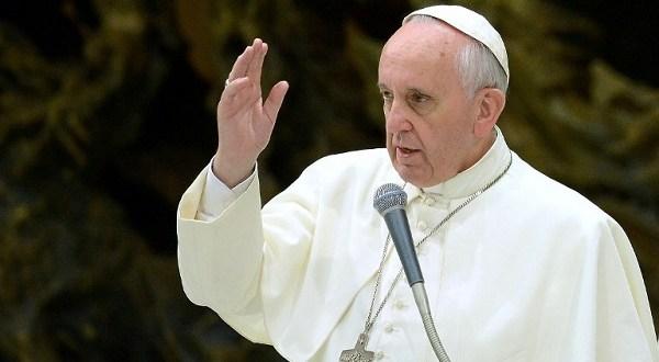 البابا فرنسيس: الاهتمام بالفقراء مذكور بالإنجيل وليس من تأليف الشيوعية!!