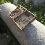 قطع أثرية معروضة للبيع في القلعة