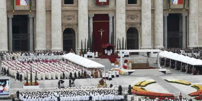 البابا فرنسيس يستقبل في القصر الرسولي أعضاء مجموعة القديسة مارتا