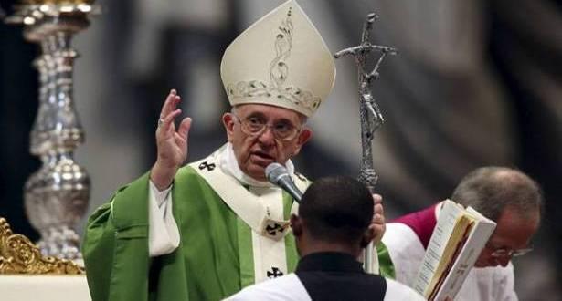 البابا فرنسيس يتلو صلاة التبشير الملائكي ويتحدث عن جذور الإيمان بمناسبة عيد القديسَين بطرس وبولس
