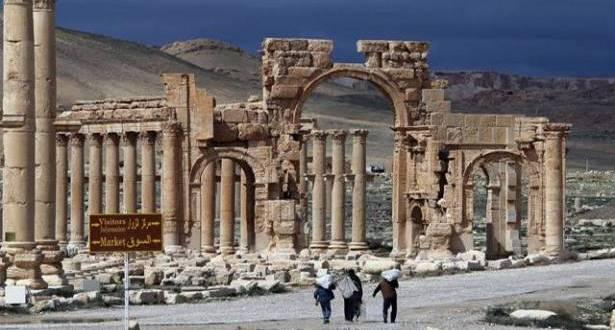 """""""الأونيسكو"""" تندّد بتدمير """"داعش"""" قوس النصر في تدمر"""