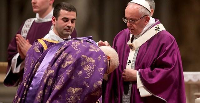 البابا فرنسيس: الله هو لنا الصديق الكبير والحليف والأب