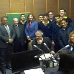 تلامذة ثانوية الراهبات الانطونيات في رومية خلال زيارتهم اذاعة لبنان