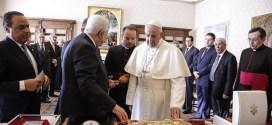 البابا فرنسيس يستقبل الرئيس الفلسطيني محمود عباس. بيان دار الصحافة الفاتيكانية
