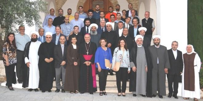 إفطار وخلوة لشخصيات روحية وأكاديمية بدعوة من اديان لمناقشة الإيمان بين الظاهر والباطن
