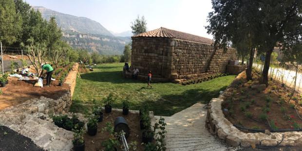 العذراء مريم أرادت أن ترمّم كنيستها…المقر البطريركي الماروني الأثري في يانوح – لبنان يشرق من جديد