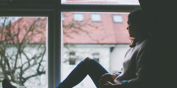 هل تشعر بحزن عميق ومستدام؟ ١٠ نصائح للتخلّص من الاكتئاب نهائياً بعيدًا عن الدواء