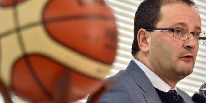 وفاة الأمين العام للاتحاد الدولي لكرة السلة