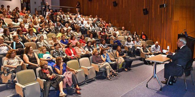 طلال سلمان حاضر في ال AUB عن الصحافة بين مهنة الاعلام والابلاغ ومحاولة القيام بدور الداعية سياسيا