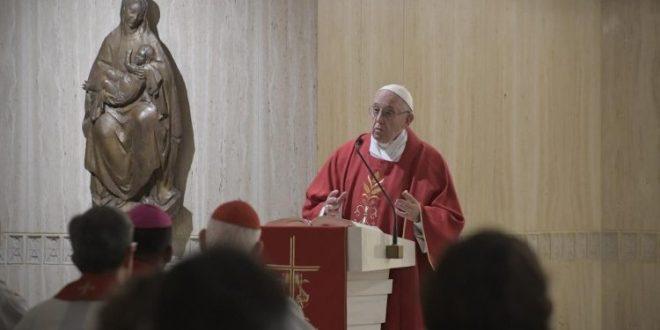 البابا فرنسيس: قلب لا يتعلّق بالمال وصبر في الاضطهادات والوحدة
