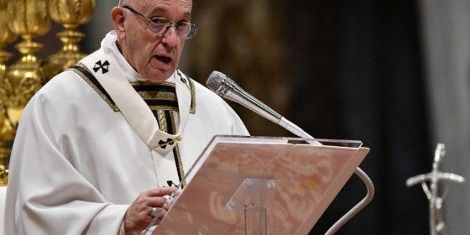 البابا فرنسيس: الوصايا العشر بالنسبة لنا نحن المسيحيين هي التأمُّل في المسيح