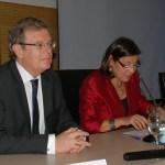 El rector y la directora del centro durante la clausura