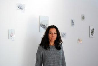 Pilar Monteagudo en uno de sus paneles de miniaturas