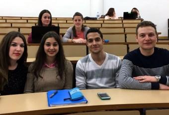 Entre los participantes, los promotores de EnLinet, preaspirante a junior empresa